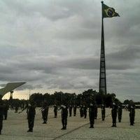 Photo taken at Praça dos Três Poderes by Pedro H. on 2/1/2012