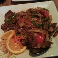 รูปภาพถ่ายที่ Pinto Thai Bistro & Sushi Bar โดย Steven S. เมื่อ 8/29/2011