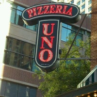 Photo taken at Uno Pizzeria & Grill - Chicago by Justin S. on 8/5/2012