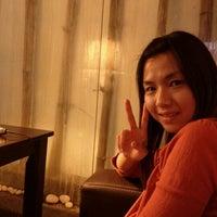 Photo taken at One Sweet One Night 一甜一夜音乐主题咖啡厅 by Yenyen on 1/16/2012