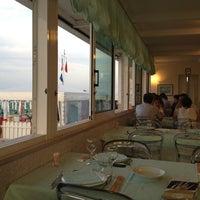 Foto tomada en Ristorante da Carlo por Ilaria M. el 6/24/2012