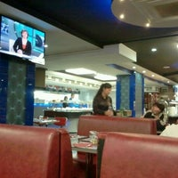 Photo taken at Restaurante Wok Hawai by angel s. on 1/14/2012