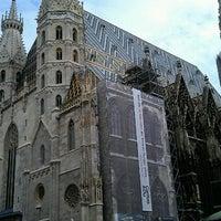 Снимок сделан в Stephansplatz пользователем Marco T. 8/16/2012