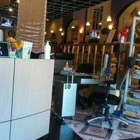 Снимок сделан в Candle Nail & Spa & Massage пользователем Bionca W. 10/25/2011