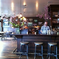 Das Foto wurde bei The Woodsman Tavern von Janet J. am 3/4/2012 aufgenommen