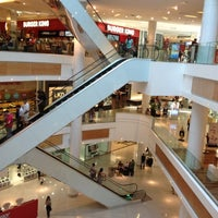 Photo taken at Boulevard Shopping by    Diogo R. on 7/28/2012