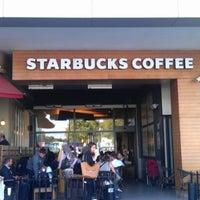 Das Foto wurde bei Starbucks von YasinCan am 9/8/2012 aufgenommen