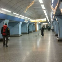 รูปภาพถ่ายที่ Metro =B= Vysočanská โดย Michaela B. เมื่อ 11/27/2011