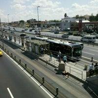 8/4/2011 tarihinde Semih S.ziyaretçi tarafından Cevizlibağ Metrobüs Durağı'de çekilen fotoğraf