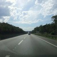 Foto tirada no(a) caminhos do mar por Edson F. em 7/22/2012