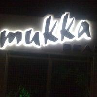 7/24/2012 tarihinde 𝖦𝗈̈𝗄𝖺𝗒 𝖬𝗎𝗄ziyaretçi tarafından Mukka Beach Club'de çekilen fotoğraf