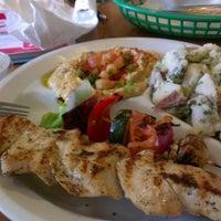 Снимок сделан в Chicken Maison пользователем Dino C. 8/21/2012