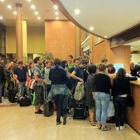 Photo taken at Catalonia Gran Hotel Verdi by ACHTUNG FUSSBALL™ on 6/12/2011