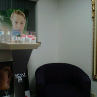 Photo prise au Facial Boutique par CChic le10/15/2011