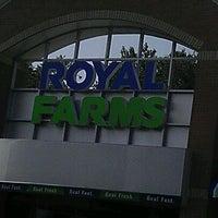 Photo taken at Royal Farms by Leo B. on 9/30/2011
