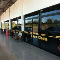 Foto tirada no(a) Casa Cheia por Thomaz J. em 7/25/2011