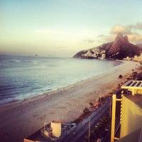 Foto tirada no(a) Sol Ipanema Hotel por Richard O. em 2/17/2012
