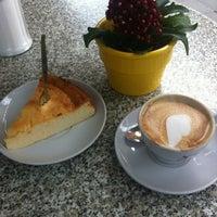 Photo taken at Espresso am Viktualienmarkt by EGON S. on 7/31/2012