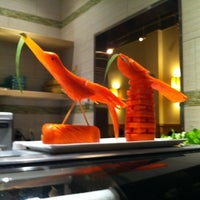 Photo taken at Sushi Maki Kendall by Luis C. on 8/27/2011