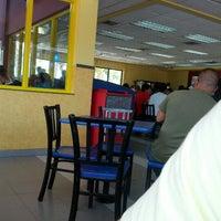 Photo taken at Burger King by Fernando R. on 8/29/2012