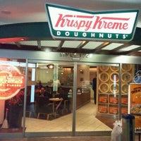 Photo taken at Krispy Kreme Doughnuts by ©ワケワカメ on 10/5/2011