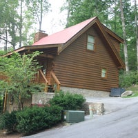 Bear 39 s den gatlinburg cabin by jackson mountain homes for Jackson cabins gatlinburg tenn