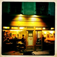 Photo prise au Coffee Parisien par Malvina M. le5/28/2012