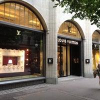 Снимок сделан в Louis Vuitton пользователем Mateusz 7/2/2012