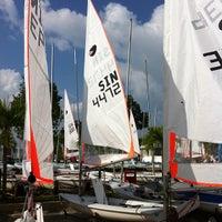 Das Foto wurde bei National Sailing Centre von ,7TOMA™®🇸🇬 S. am 7/7/2012 aufgenommen