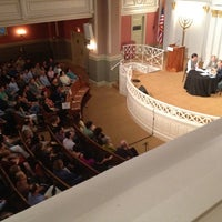 Foto tirada no(a) Sixth & I Historic Synagogue por Christian T. em 5/23/2012