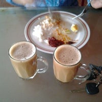 Photo taken at Restoran Delima by Hafizan A. on 4/23/2012