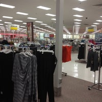 Foto tomada en Target por Lillianne D. el 12/30/2011