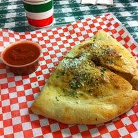 Снимок сделан в Carmine's Pizzeria пользователем Brian B. 2/6/2011