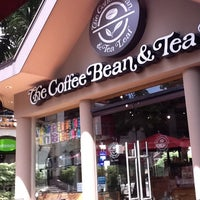 Photo taken at The Coffee Bean & Tea Leaf by Chris V. on 8/21/2011