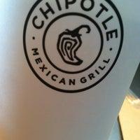 Foto tomada en Chipotle Mexican Grill por Dean E. el 8/3/2012