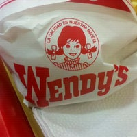 Photo taken at Wendy's by Matias F. on 1/18/2012