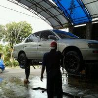 Photo taken at Semeru Karya Cuci Mobil by sony s. on 12/8/2011