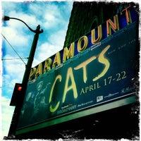 Photo prise au Paramount Theatre par Danielle D. le4/19/2012