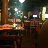Foto tirada no(a) Pizza Do Binho por Kellem T. em 6/21/2012