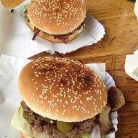 8/4/2012 tarihinde Jan T.ziyaretçi tarafından Burgermeister'de çekilen fotoğraf