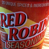 Photo taken at Red Robin Gourmet Burgers by Kevin W. on 4/27/2012