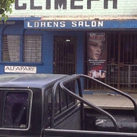 Photo taken at Loren's Salon by Fernando A. on 12/15/2011