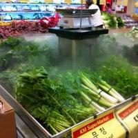 Photo taken at Keeaumoku Super Market by Melissa C. on 10/31/2011