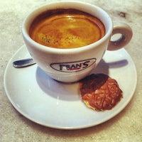 Foto tomada en Fran's Café por Edgar P. el 5/12/2012