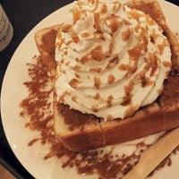 Photo taken at EDIYA COFFEE by szz on 11/17/2011