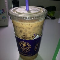 Photo taken at The Coffee Bean & Tea Leaf by Adam C. on 9/2/2011