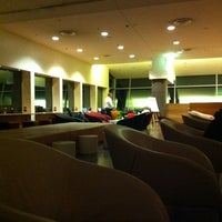 Photo taken at Qantas Club (T3) by emusan on 9/9/2011