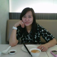 Photo taken at Crystal Jade Korean Ginseng Chicken & BBQ by siaw fung on 10/13/2011
