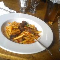 7/31/2012 tarihinde Cal D.ziyaretçi tarafından Bar Loco'de çekilen fotoğraf