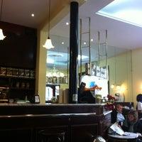 Foto tomada en Caffe San Marco por Beatriz G. el 2/18/2012